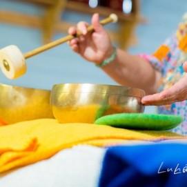 massages sonores aux bols tibétains planétaires , vibrations sur le coprs et autour, vous emportant dans un voyage intime , favorisant des lâcher prises , proche de l'hypnose.